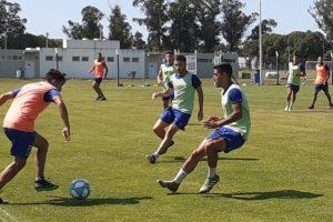 Alvarado continúa entrenando de cara al cierre de su participación en el torneo.