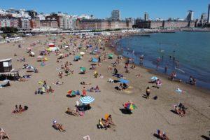 Recambio Turistico comienza la segunda quincena con buen tiempo. Mar del Plata 18 de Enero 2021. Foto: Mauro V. Rizzi